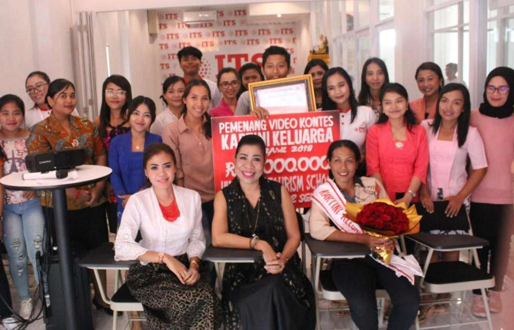 Kampus ITS Gelar Seminar Women Empowerment & Beauty Class 1